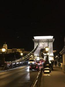 budapest-puente-cadenas-de-noche-copia