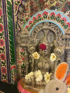 india-conejito-rezando
