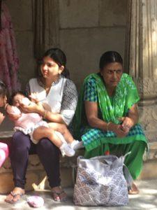 1-india-abuela-madre-hija