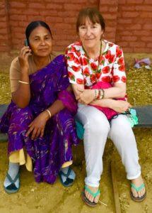 india-centro-acogida-foto-con-movil