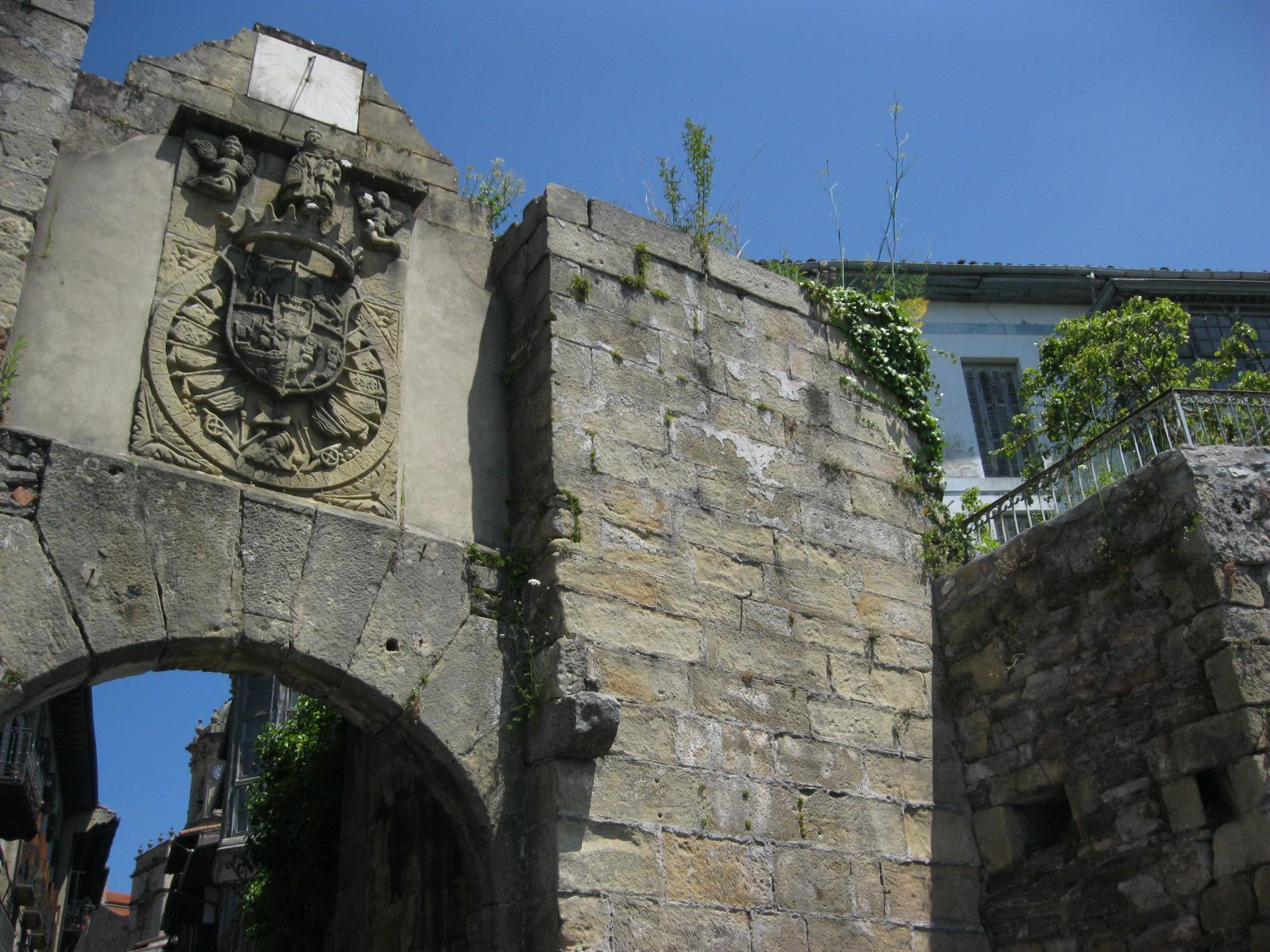 Una historia de traidores corsarios pr ncipes y leales for Correo puerta a puerta