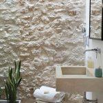 6-baño pared piedra