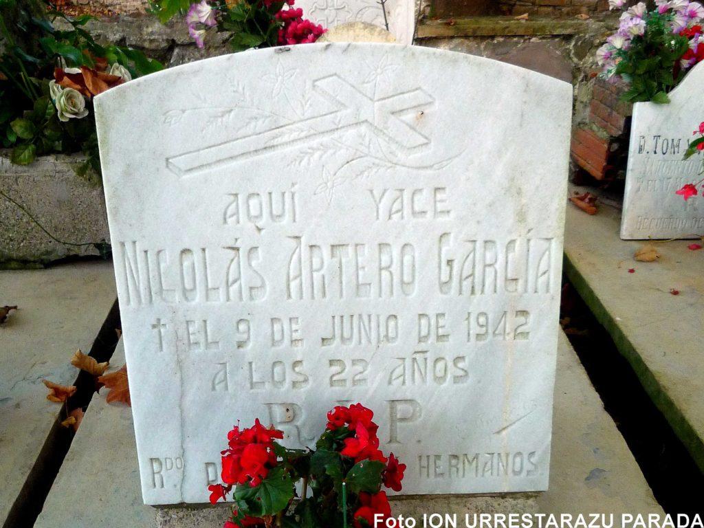Lápida del soldado Artero en el cementerio de Polloe. Foto Ion Urrestarazu Parada.