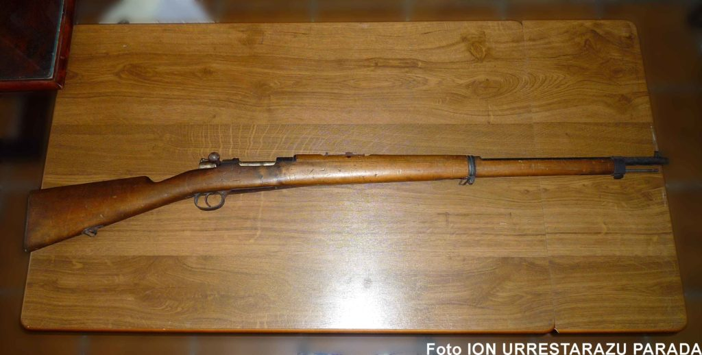 Fusil Mauser modelo 1893 de la Sala Histórica del Acuartelamiento Loyola. Foto Ion Urrestarazu Parada.