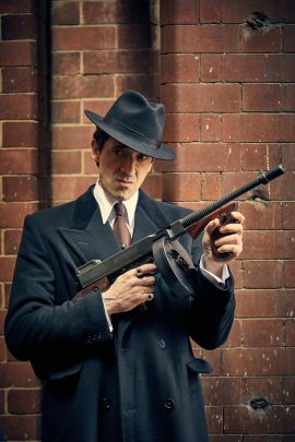 Programme Name: Peaky Blinders IV - TX: n/a - Episode: n/a (No. 5) - Picture Shows: Luca Changretta (Adrien Brody) - (C) © Caryn Mandabach Productions Ltd 2017 - Photographer: Robert Viglasky