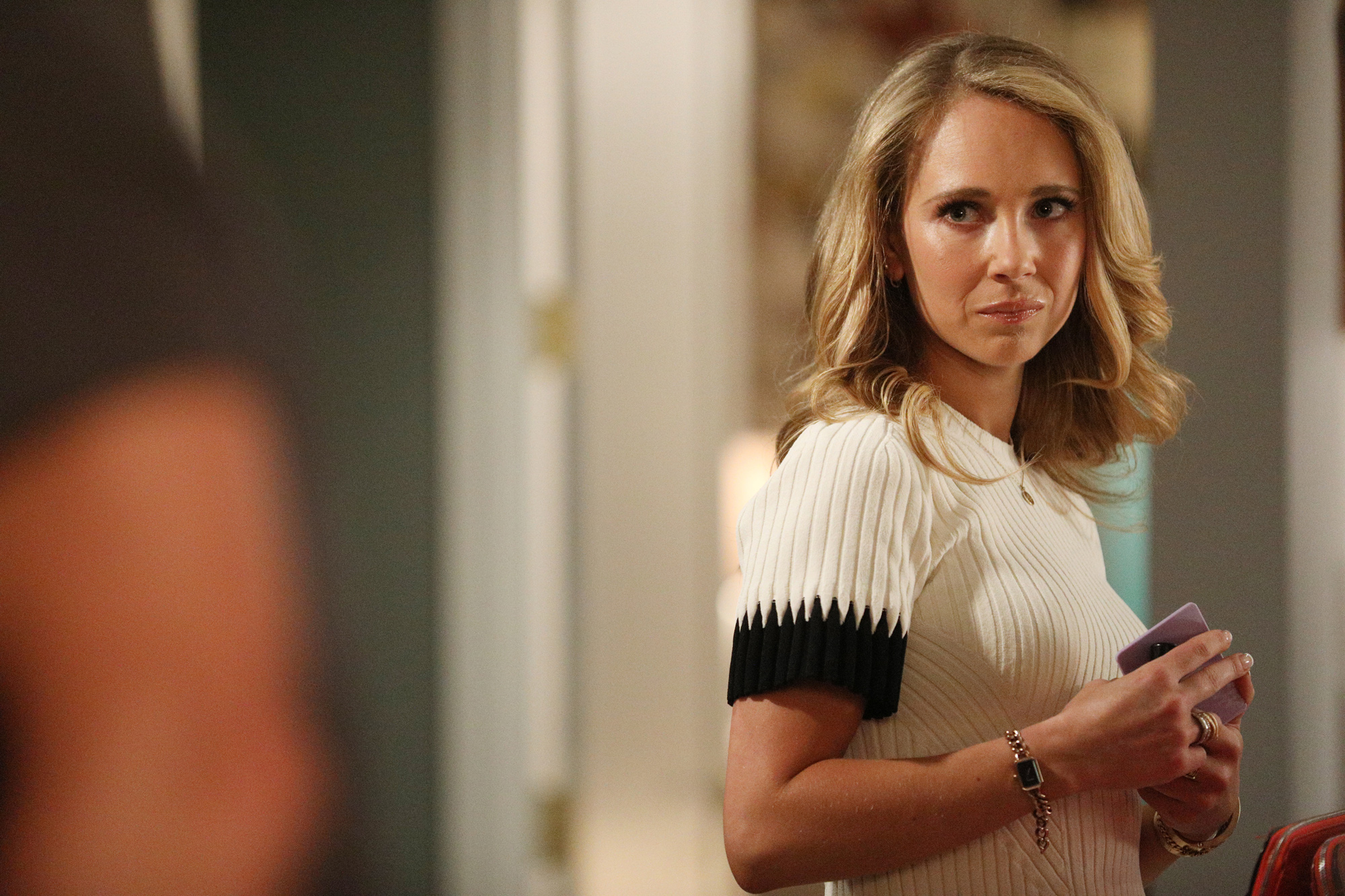 """DIRTY JOHN -- """"Approachable Dreams"""" Episode 101 -- Pictured: Juno Temple as Veronica Newell -- (Photo by: Jordin Althaus/Bravo)"""
